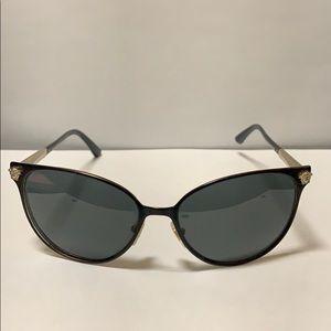 Versace cat eye sunglasses 🕶